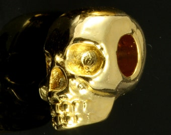 2 pcs  gold plated Skull Pendant  11 x 8 mm (hole 3 mm) Skull Findings spacer bead bab323