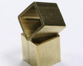 Raw brass cube 15 x 15 mm (hole 13 mm) bab12 1418