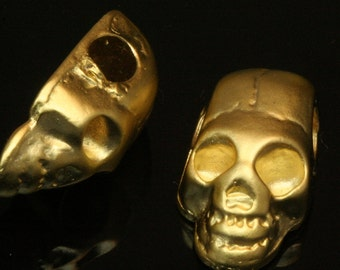2 pcs  gold plated Skull Pendant  20 x 11 x 7,5 mm (hole 4 mm) Skull Findings spacer bead bab4 871