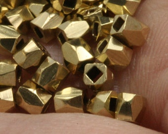 """100 pcs 2,5 x 2,5 mm 3/32"""" x 3/32""""  raw brass square cube finding square cube rod industrial design (1 mm 0.04"""" 19 gauge hole ) bab1 R7001"""