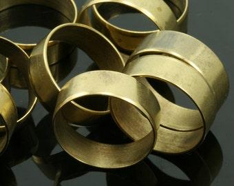 5 pcs 20 x 6,4 mm (hole 18,5 mm US 8 1/2 ) raw brass ring, bab18r18.5