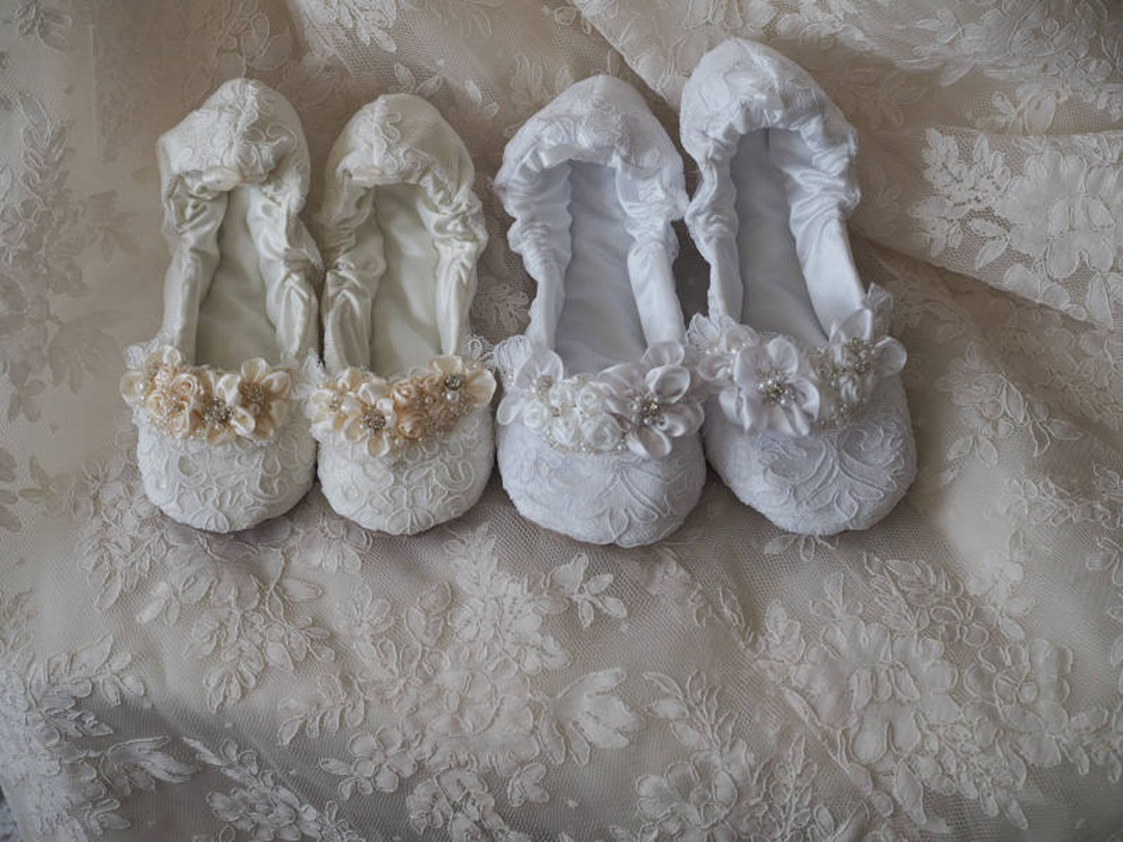 white princess bridal ballerina slippers~white princess wedding ballet flat shoes~white lace bridal ballet shoe~ elegant lace da