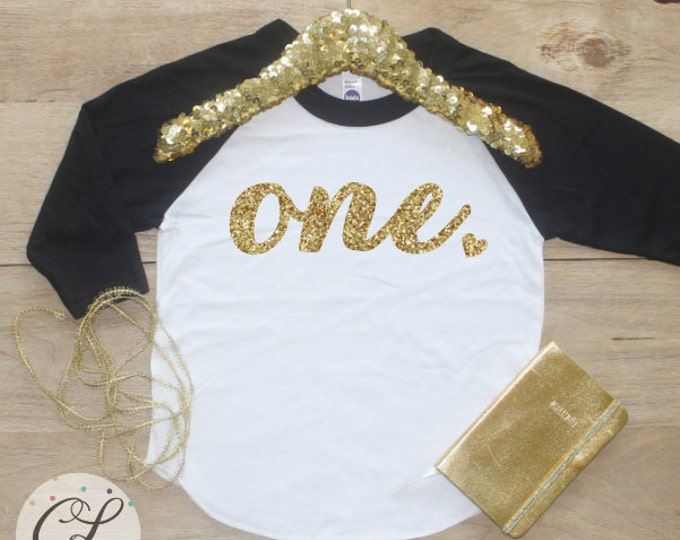 1st Birthday Girl Shirt / Baby Girl Clothes 1 Year Old Outfit First Birthday Shirt 1st Birthday Girl Outfit One Raglan Cake Smash Outfit 001