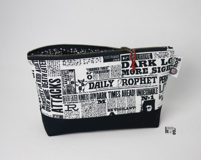 Wizard Newspaper Large Essential Pouch