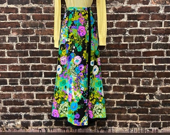 1960s 70s Black Floral Maxi Skirt. Bright Hawaiian Barkcloth Wrap Skirt by Personal by Leslie Fay.  Size Small 28W