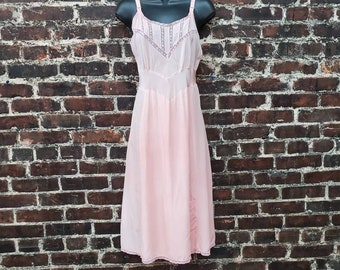 1940s Pink Slip with Lace Trim. Bias Cut Rayon Full Slip by Artemis. 40s Nightgown Slip Dress. Size Small, 34 Bust
