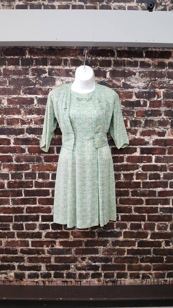 1940s Floral Dress Size Large. Mint Green Dress wi