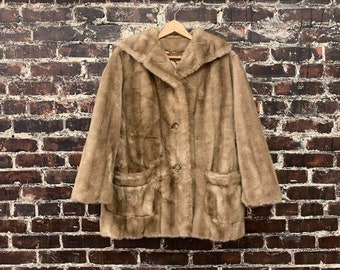 1970s Light Brown Fake Fur Coat. Button Front Coat. Short Fur Coat. 70s Disco Coat. Artificial Mink Coat by Russel Taylor. Size Medium