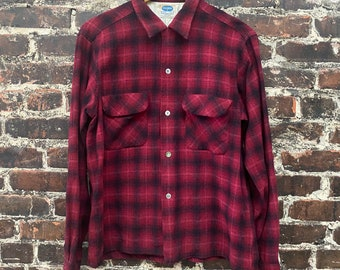"""1950s Red and Black Plaid Shirt. Men's Wool Work Shirt by Pilgrim. Pendleton Style Button Up Flannel Shirt. Size Medium, 44"""" Chest."""