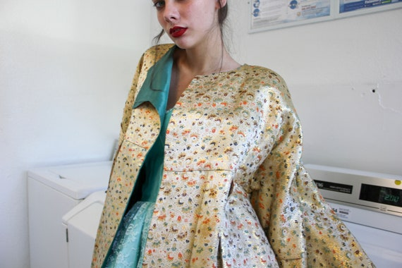 50s Asian Print Satin Swing Coat | Vintage 1960s … - image 6