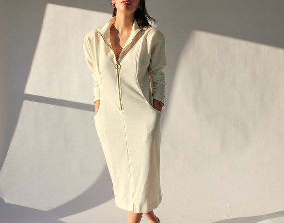 90s I.Magnin White Fitted Dress | Broad Shoulder w