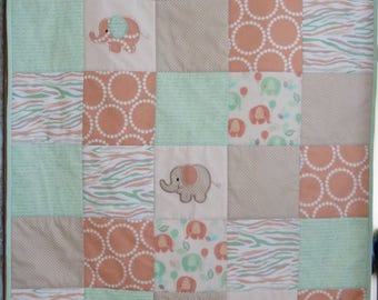 Cot quilt, elephants in green, peach and beige/floor rug/baby shower