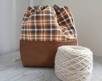 Medium Project bag for knitting, crochet, needlework; gray and tan plaid drawstring pouch with vinyl base and 2 inner slip pockets
