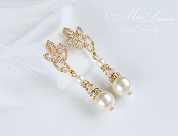 MADE TO ORDER in Any Colors Glass Pearls 1 Pr Pearl Bridal Earrings