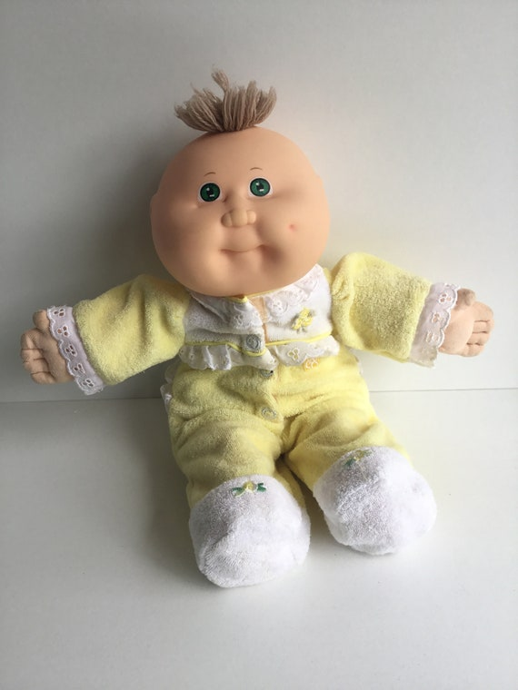 """Amazon. Com: cabbage patch kids 14"""" kid girl doll, comes with."""