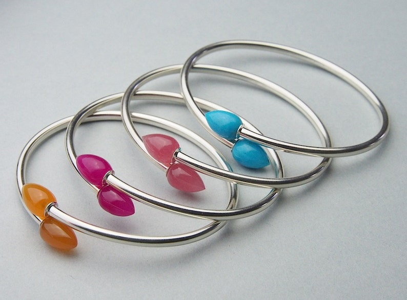 Flexible overlapping stacking bangle in natural carnelian /& sterling silver