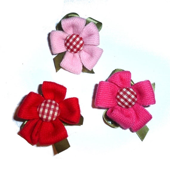 Puppy Bows ~ Knit daisy flower pink or red colors dog grooming bow pet hair barrette  (fb147)