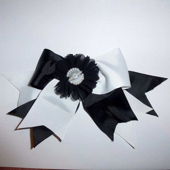 Becky Bows ~ large oversized bow for women black/white 3 layer pointed big bow