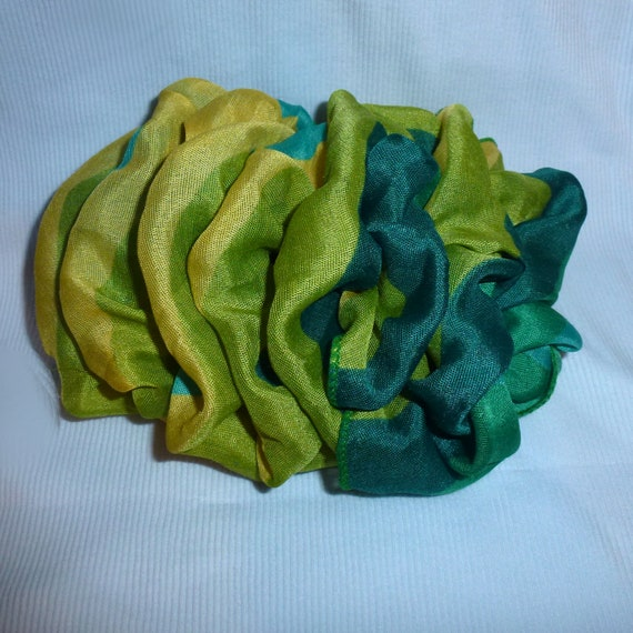 Becky Bows ~  Barrette ribbon Hand crafted over sized  BIG hair bow Women or Girls black green yellow