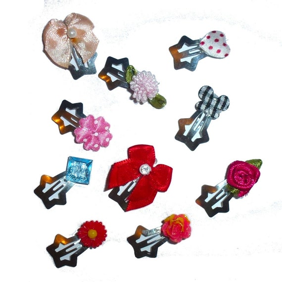 Puppy Dog Bows ~ 10 assorted bows flowers on star snap clips pet hair bow barrettes or bands