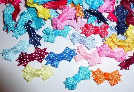 Puppy Bows ~ 25 dog grooming bows tiny polka dots with latex band - (fb220)