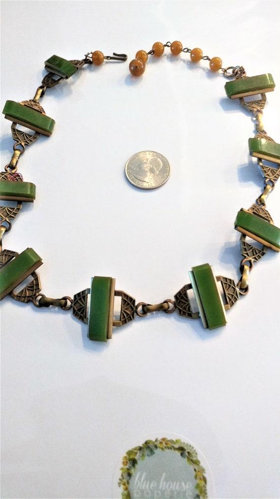 Green Bakelite Necklace / Art Deco Necklace / Bake