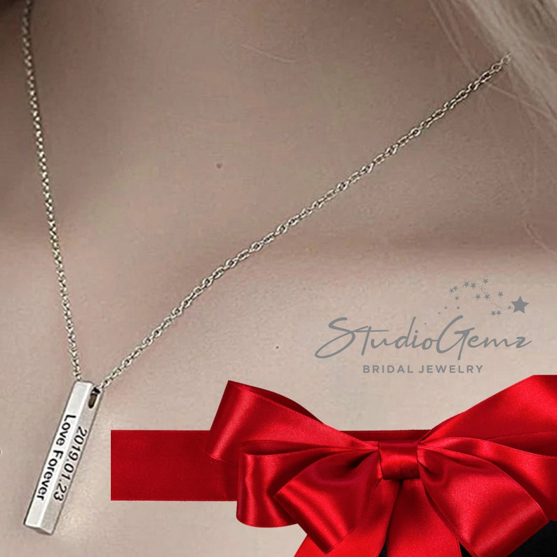 Holiday Engrave 4 sides Engraved Custom Made 3D Vertical Bar Silver Gold  Rose Gold Necklace Christmas Gift Personalized Jewelry for Wife