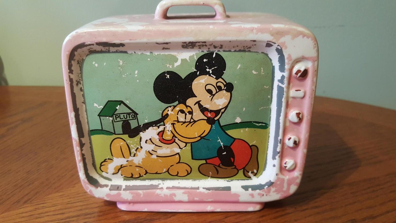 1960 39 s vintage walt disney mickey mouse and pluto tv bank. Black Bedroom Furniture Sets. Home Design Ideas
