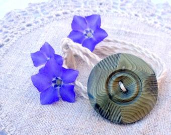 Wrap Bracelet Vintage Green Button, Hand Twisted Vintage Linen Cord