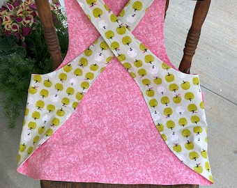 Child's Cross back apron/pinafore, apples, art apron, fully lined, SM or MED
