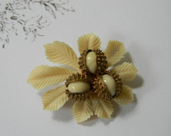 Vintage Hazelnut Brooch Pin, Autumn Brooch, Seasonal Fall Brooch Pin Hazelnuts Chestnuts 1940s