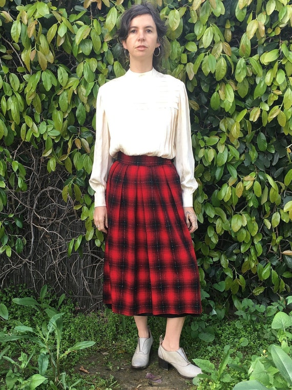 fully lined button down with tassels red and green Vintage 80s tartan plaid midi skirt