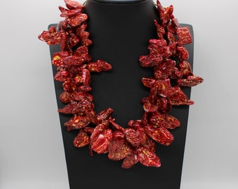 Red Shell jump necklace