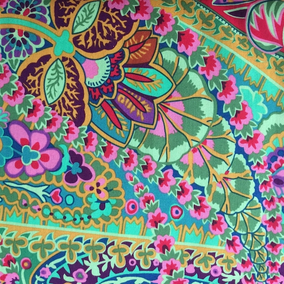 PAISLEY JUNGLE Green GP60 Kaffe Fassett Sold in 1/2 yd increments
