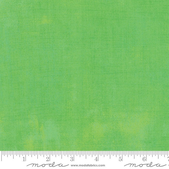 increments GRUNGE KIWI Green Moda Basics 30150 304 -  Sold in 1/2 yd increments - Multiple half yards cut as one length