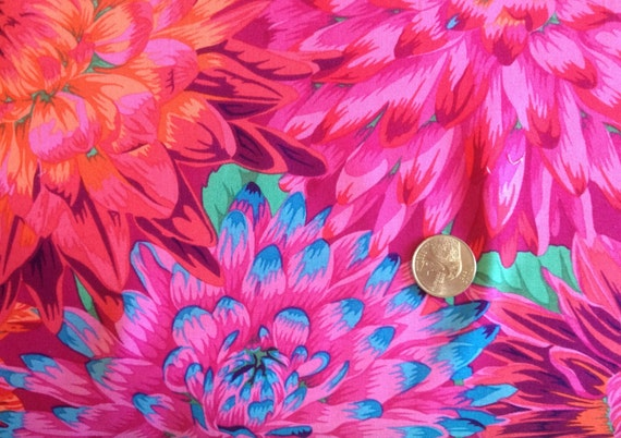 CACTUS DAHLIA  Red Philip Jacobs Sold in 1/2 yard increments  - USA based retailer