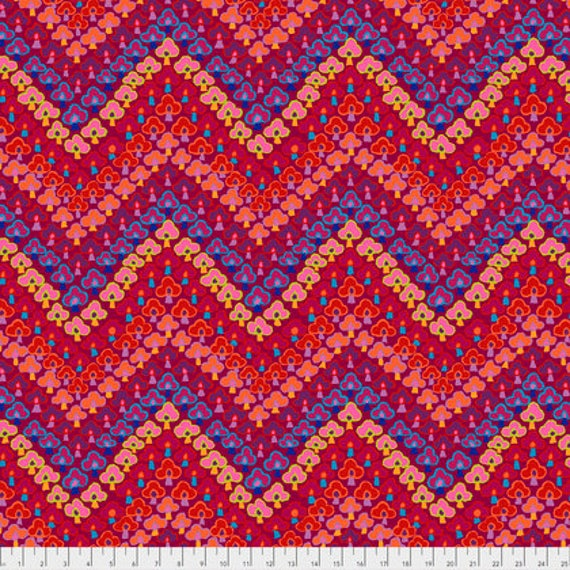 TREFOIL RED PWGP167 Kaffe Fassett  1/2 yd - Multiples cut continuously