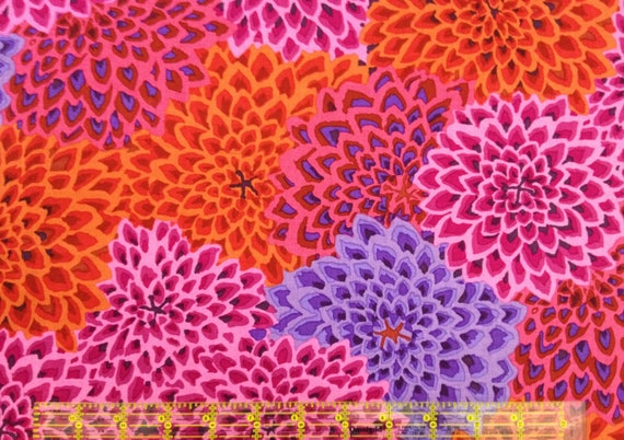 DAHLIA BLOOMS LUSH Reds Kaffe Fassett GP54 Sold in 1/2 yd increments