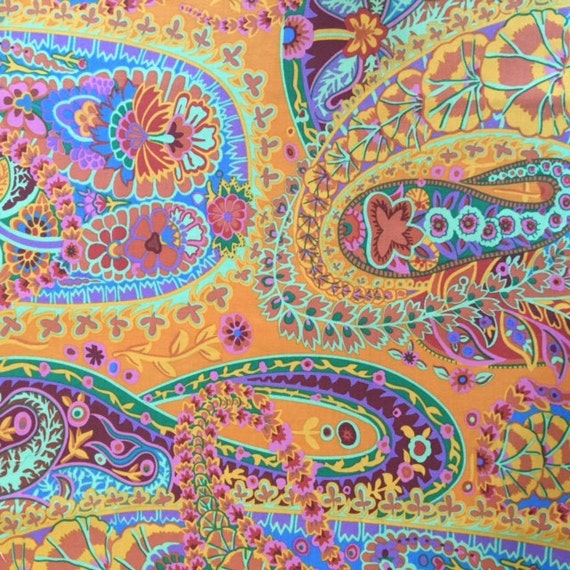 PAISLEY JUNGLE in Tangerine PWGP60 by Kaffe Fassett in 1/2 yard increments