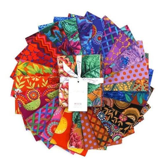 WARM FQ PACK Spring 2020 Kaffe Fassett Collective - Warm Color way