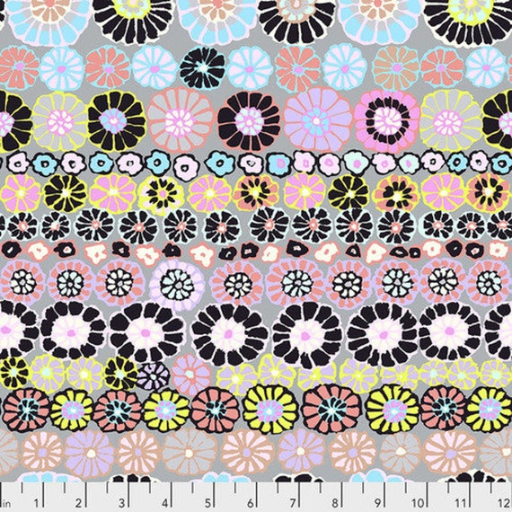 ROW FLOWERS CONTRAST  Kaffe Fassett gp169 Sold in 1/2 yd increments - Multiples cut as one length