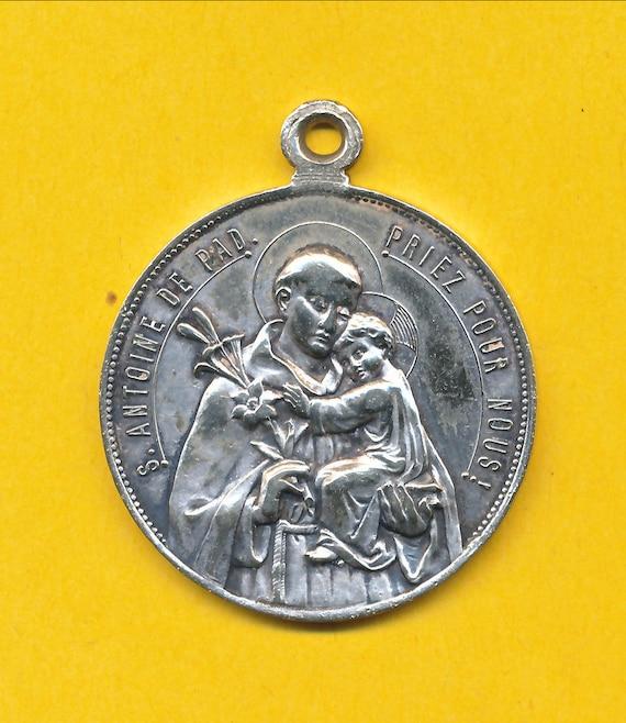Large Sterling silver Art Modern religious charm medal pendant representing Saint ref 1695