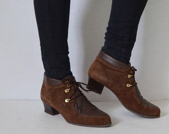 97b106e79 Brown ankle boots 8.5 suede and leather womens pixie booties lace up low  heels vintage 90s UK 6 US 8.5 EU 39