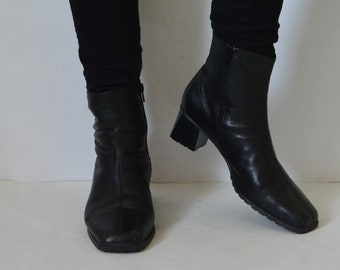 a2ed5711bd7 Black leather ankle boots chunky block high heels womens boots minimalist  Vintage 90s UK 7 US 9.5 EU 40 Width G