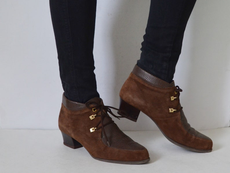 51510a1aaeaa9 Brown ankle boots 8.5 suede and leather womens pixie booties lace up low  heels vintage 90s UK 6 US 8.5 EU 39