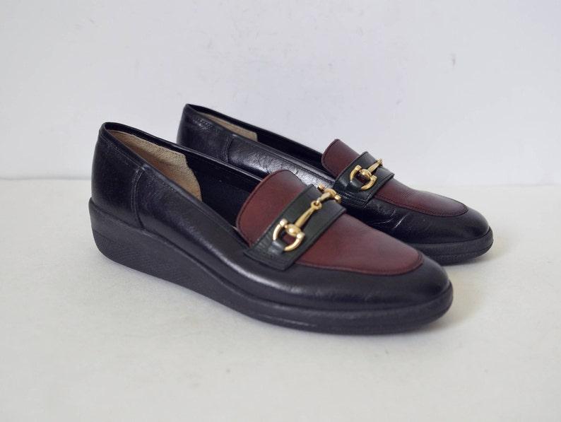 06c7f6eb741d56 Leder Slipper Keil Ferse schwarz Bordeaux Schuhe gold Kette