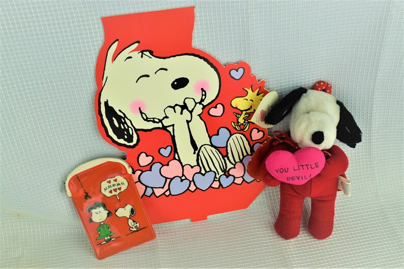 Vintage Snoopy Valentine Collection Plush Snoopy Holding Pink image 0