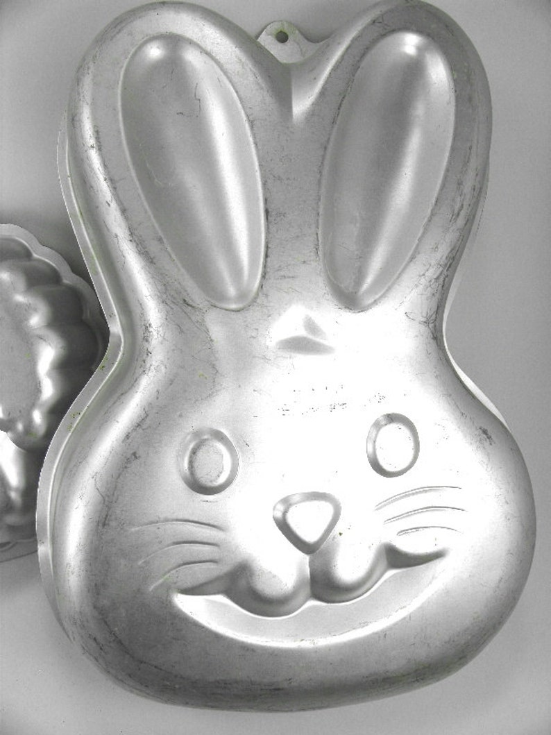 Aluminum Bunny Cake Baking Pan Mold by Wilton