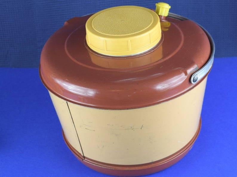 Mid Century Sportsmaster Cooler Jug Insulated Hot Cold Beverage Thermos Enamel Lined One Gallon Picnic Cooler