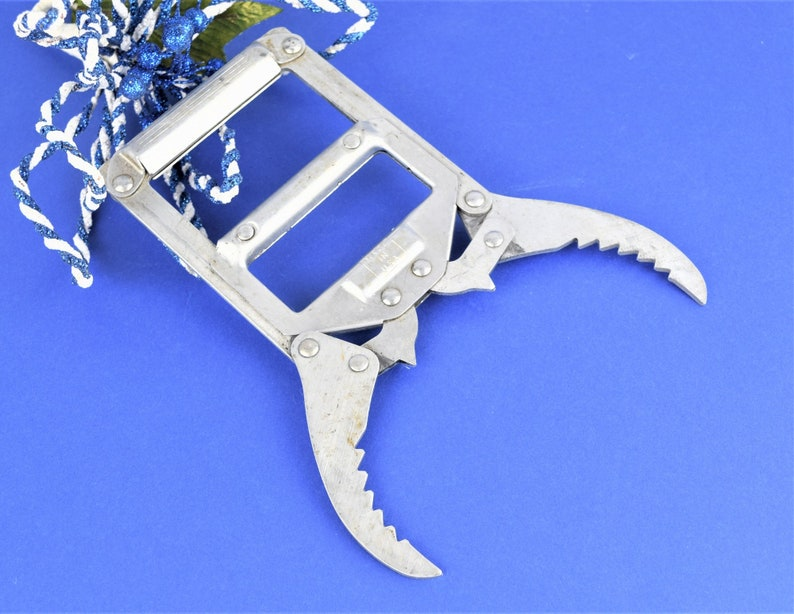 Vintage Metal Fish Gripper with Claws Nautical Oddity Fish image 0